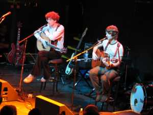 Kings of Convenience mit Feist