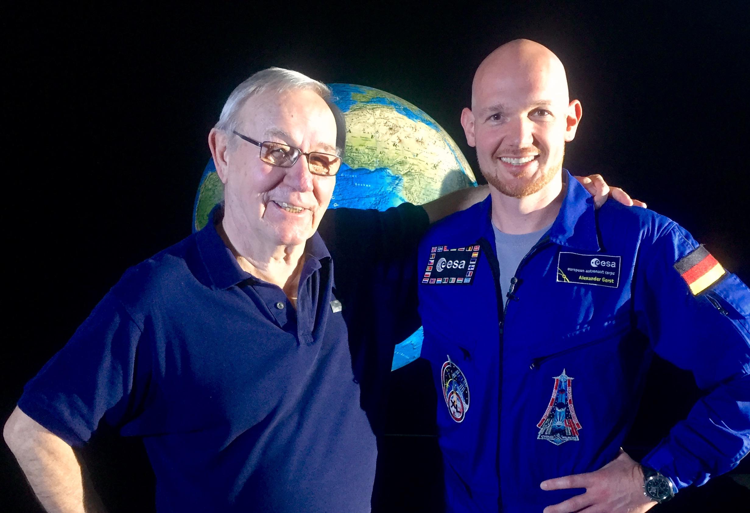 Alexander Gerst und Armin Maiwald reisen für die Sendung mit der Maus durch das Sonnensystem